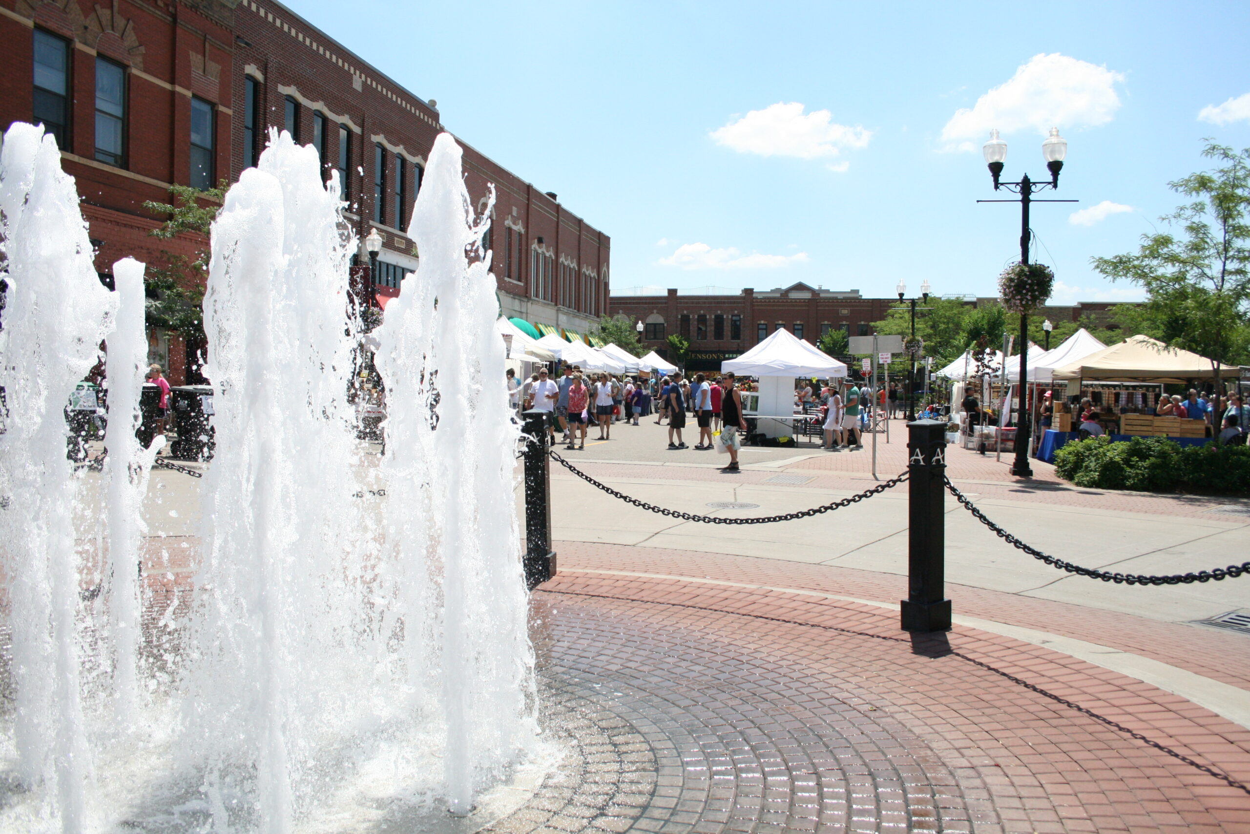 Anoka Riverfest and fountain